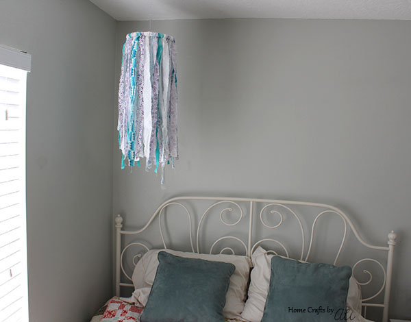 Easy To Make Diy Chandelier Made With Fabric