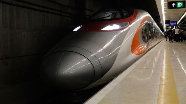 Inauguran primer tren de alta velocidad que une Hong Kong y China