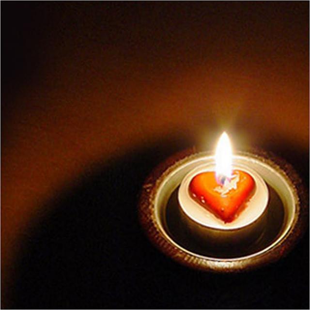 Tip menyemarakkan cinta dalam percintaan dan rumah tangga
