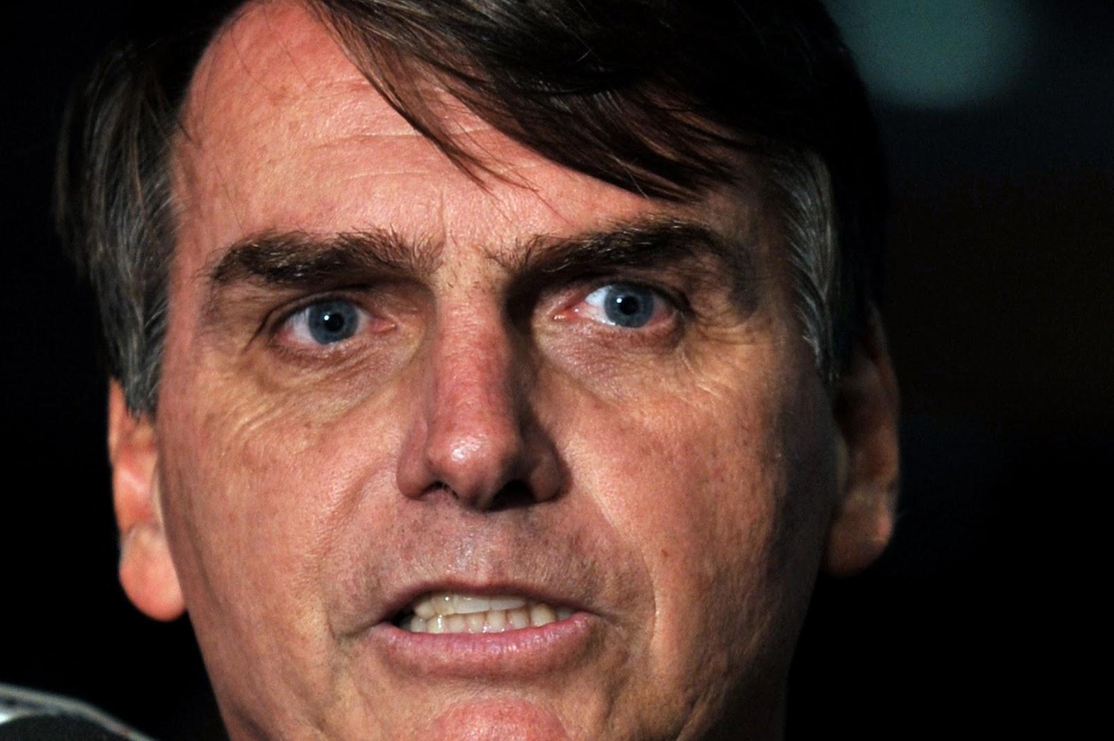 Justiça condena Bolsonaro a pagar R$ 150 mil a fundo de defesa LGBT por homofobia
