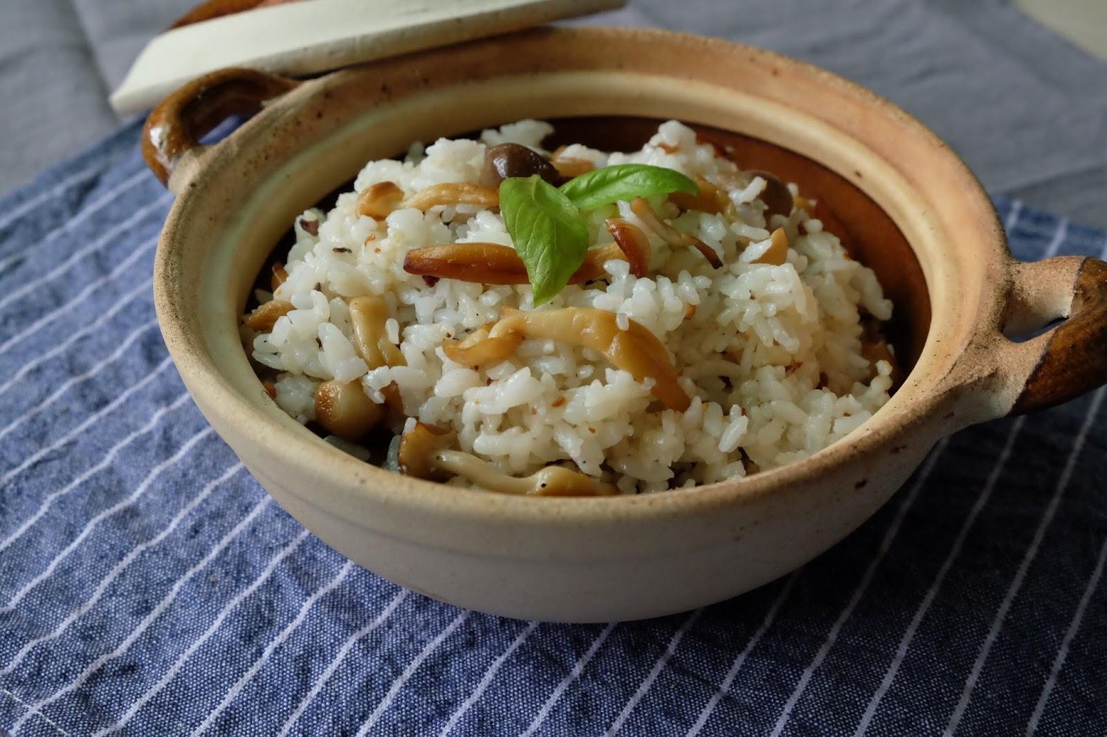 自家廚房|快手上菜有味飯,蒜香綜合菇菇拌飯(附食譜)