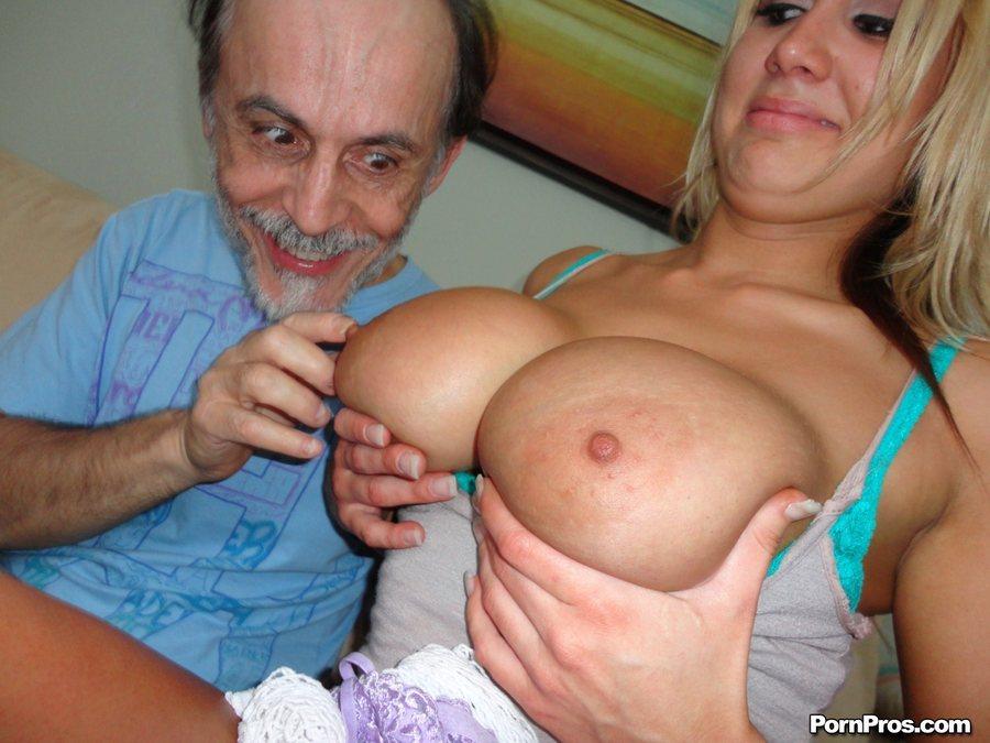 foto-porno-sosushie-moloko-iz-grudi-stariki