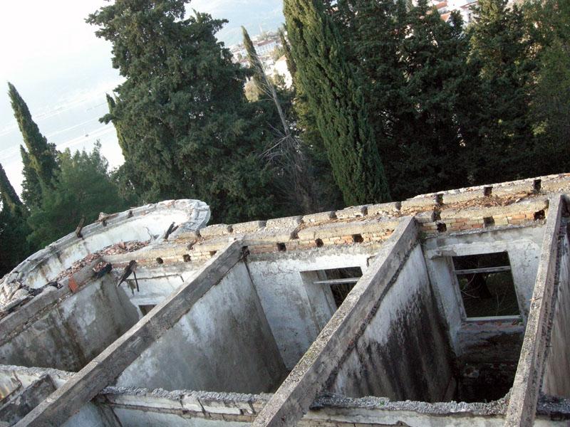 Бывший-отель-в-Тивате-Черногория