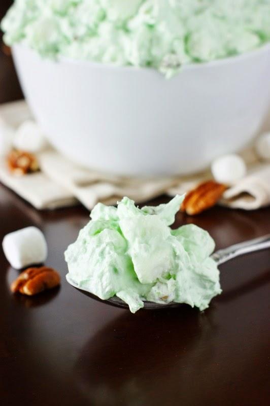 Pistachio Watergate Salad {Green Fluff}