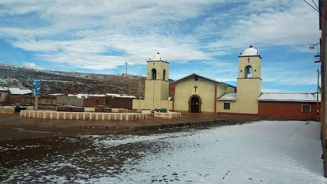 Blick auf die renovierte Kirche von San Pablo de Lipez im letzten Winter