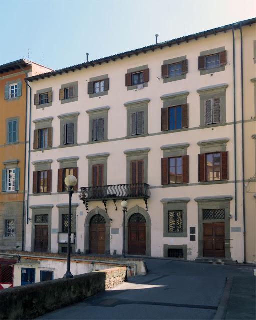 Palazzo Finocchietti, Scali Finocchietti, Livorno