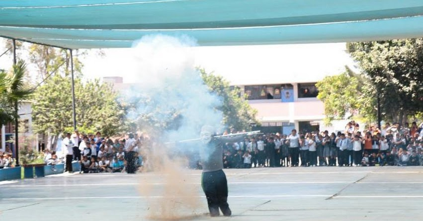 Realizan demostración a escolares de Chimbote sobre riesgos de manipular pirotécnicos