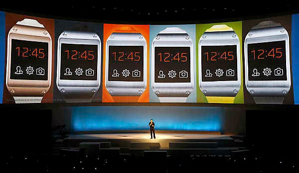 Google, Apple, Samsung Compete to Incorporate Health Apps in Wearables