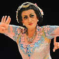 Bagaimana Seni Tradisi Lintas Gender Indonesia Melawan Isu LBGT?
