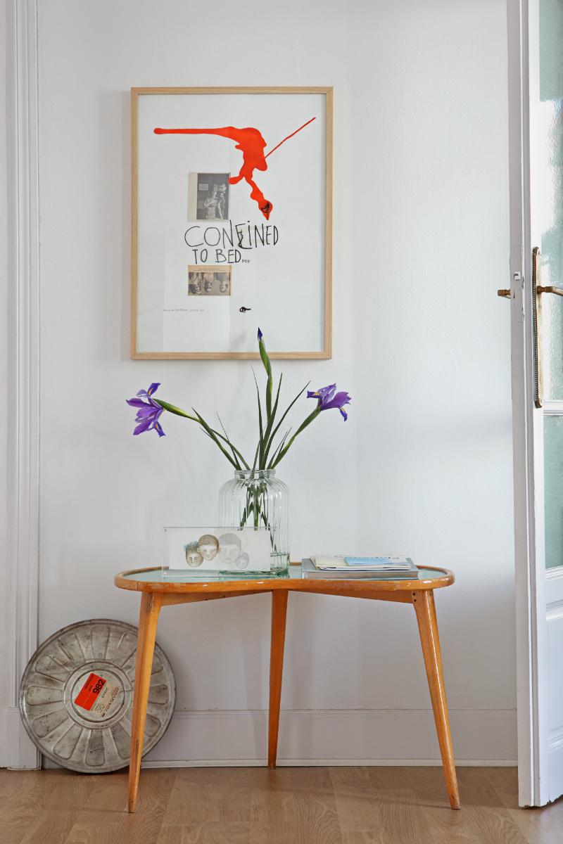 60s table, glass vase, interior design