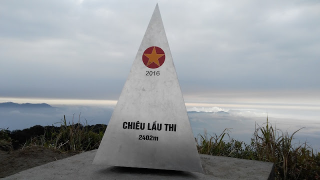 Conquering Chieu Lau Thi peak in Ha Giang 2