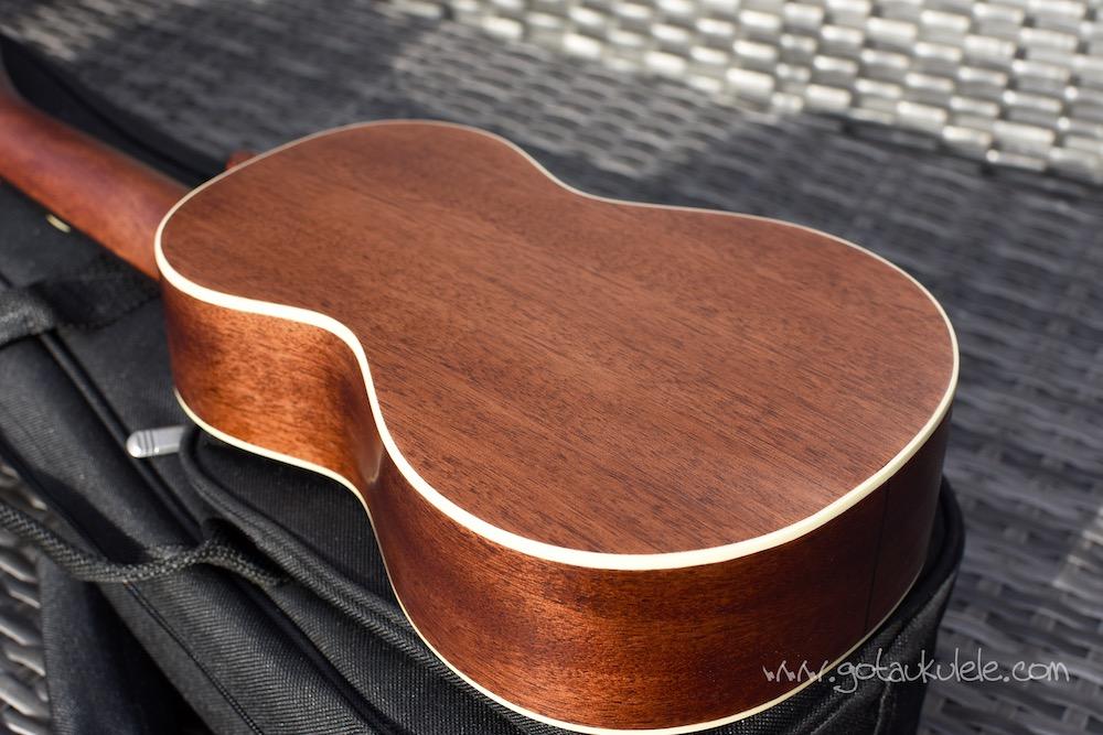 sigma sum-2s soprano ukulele