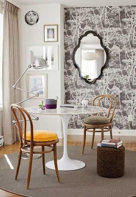 comedor con decoracion escandinava vintage silla thonet mesa tulip