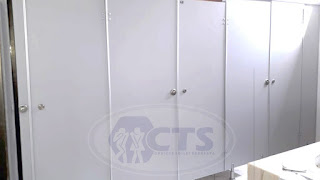 Pemasangan 5 Unit Cubicle Toilet - Wonoayu - Sidoarjo