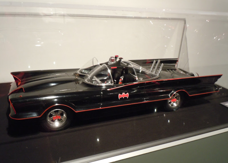 TV Batmobile 1966 scale model