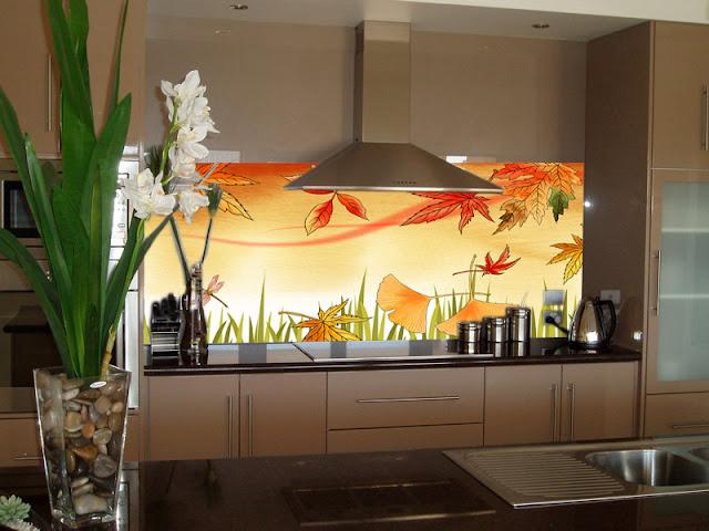 tranh kính ốp bếp