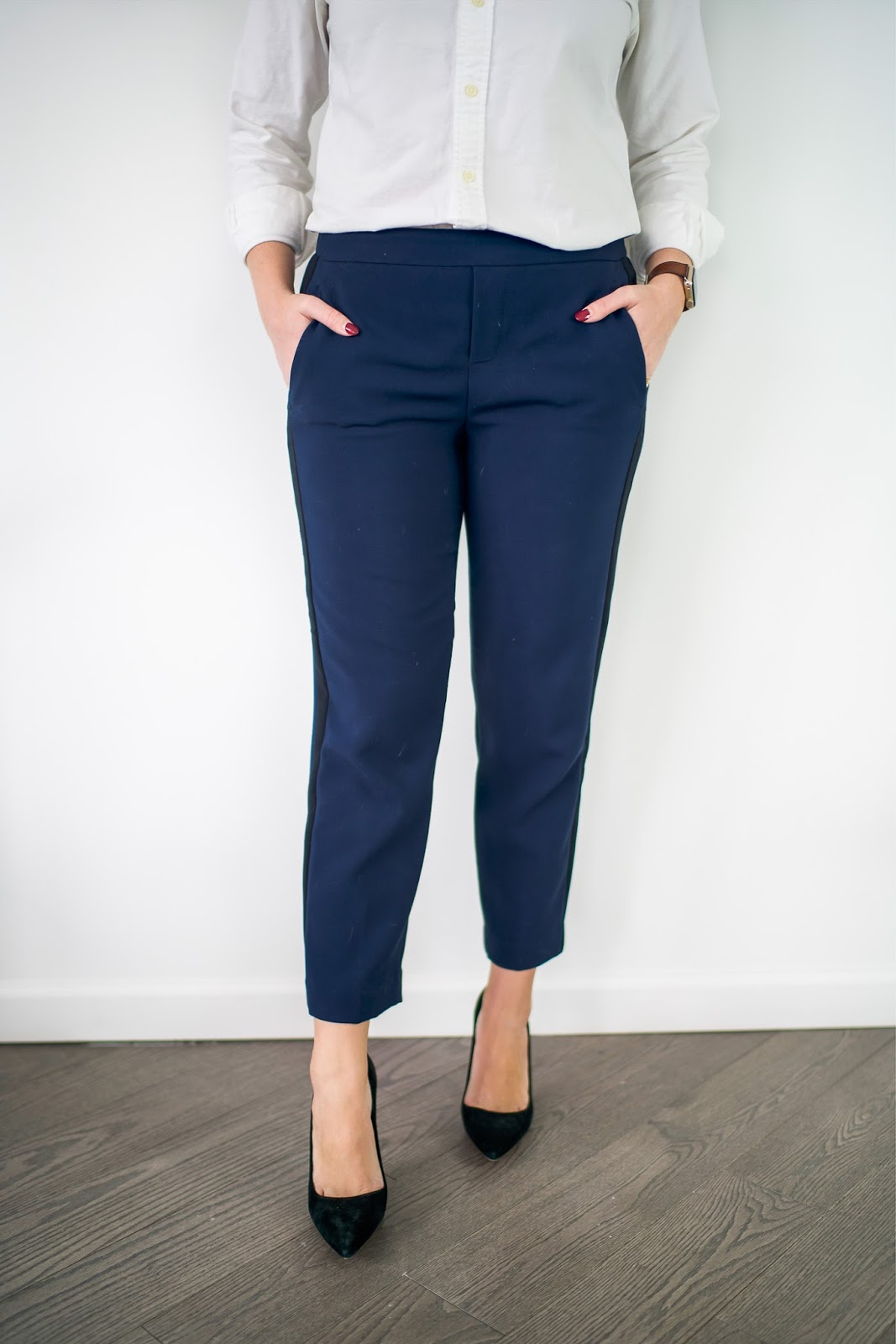 Oct 02,  · These types of pants are also easy to style -- wide leg pants look great with a tucked in button-up, a loose tank or a cardigan. It's simple to dress up a drawstring waist with a silk blouse or a sequined top, and silk pants look nice with a denim shirt or a slouchy tee. Feeling too casual? A structured blazer will solve that problem in a hot second.