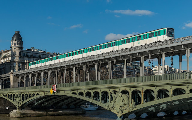 view from Paris Metro 6