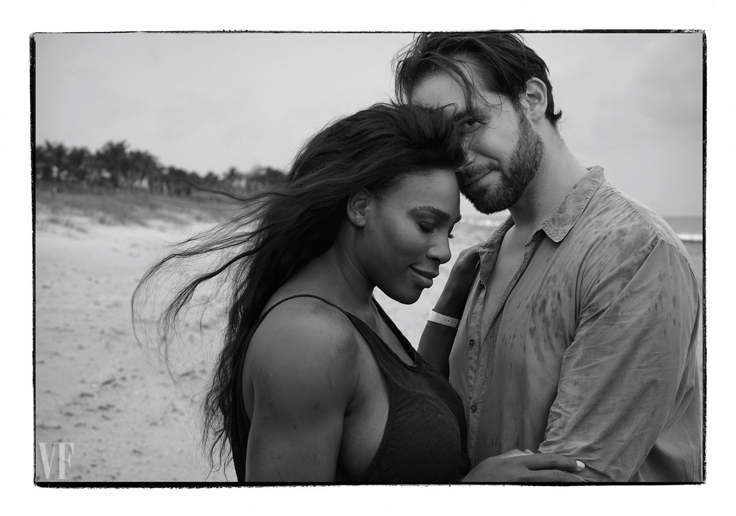 Serena Williams Covers Vanity Fair Magazine August issue Nude with her Baby Bump