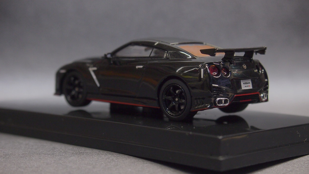Oversteer 1//64 NISMO GT-R 2014 White Pearl NISSAN R35 Minicar no kyosho