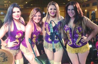 Foto de Agua Bella en el escenario