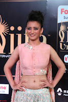 Akshara Haasan in Peachy Crop Top Choli Skirt at IIFA Utsavam Awards 21.JPG