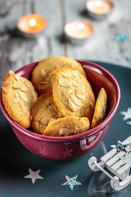 Коледни бисквити 04 - Бадемови бисквити с крем сирене и кардамон / Biscuits de Noël 04 – au fromage frais amandes et cardamone