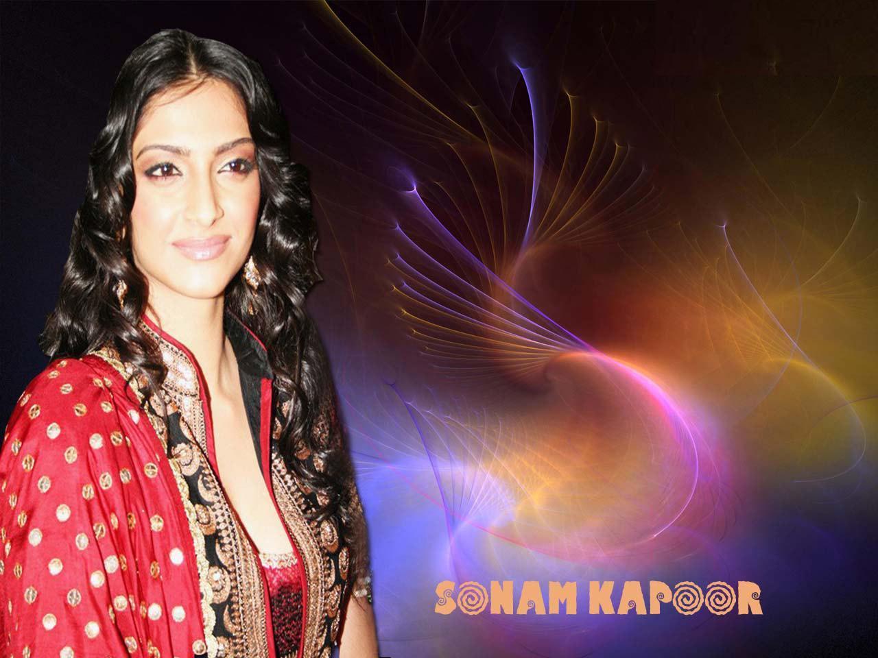 Sonam Kapoor Wallpapers: Sonam Kapoor Players Girl Wallpapers