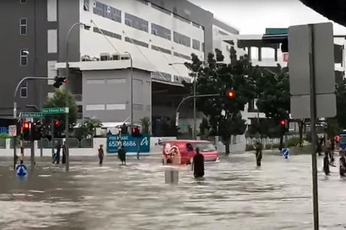 Pedestrians and motorists in Upper Changi had to deal with flooding after torrential rain in eastern Singapore.