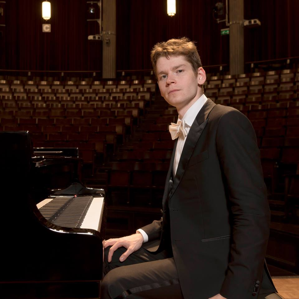 2015 Seattle International Piano Competition Winners: Music At Eelswamp: Gugnin Victorious