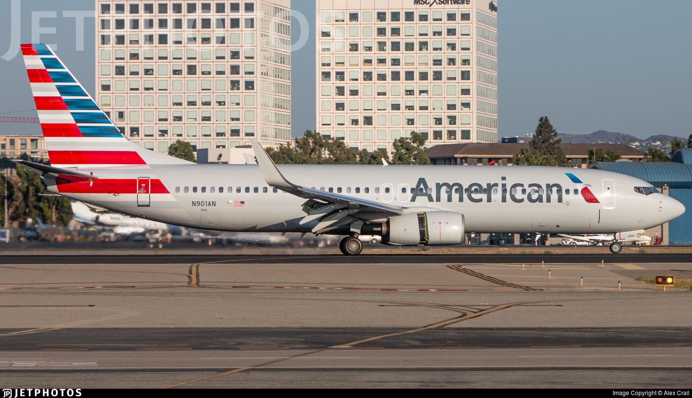 JetTrak: American's latest 737-800 delivery = 300 in service