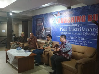 """Istimewa Peluncuran buku berjudul """"Menjemput Perubahan Jakarta: Mengungkap Peran Relawan Roemah Djoeang di Balik Kemenangan Anies-Sandi"""" di Jakarta, Rabu (10/10/2018)"""