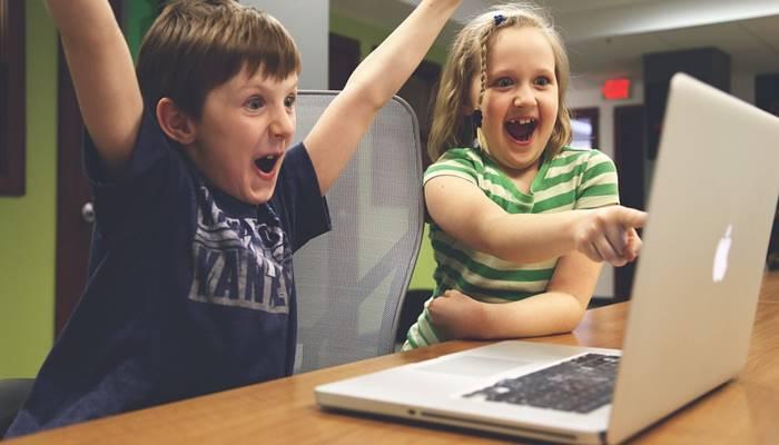 25 Laptop Terbaik Untuk Pelajar Sekolah Dan Mahasiswa