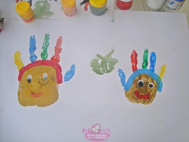 Pintura com as mãos para crianças Índio