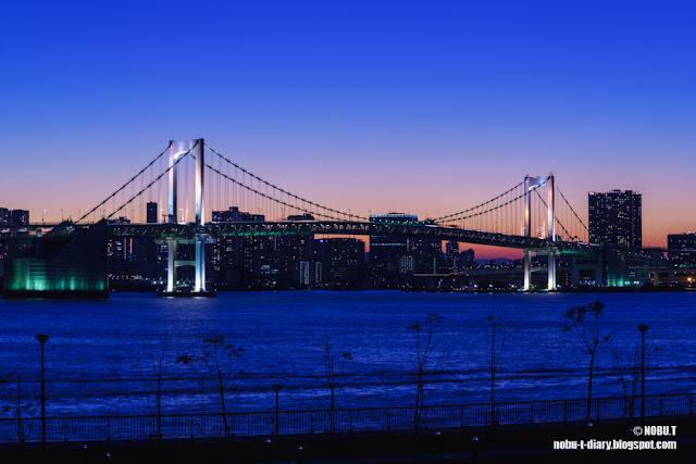 夕暮れ時のレインボーブリッジ~富士見橋(江東区)