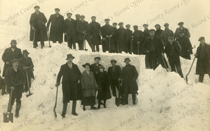 Clearing the snow and building with it, c.1916 (D/Ph 441/4/8)