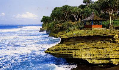 Panorama Laut Batu Hiu pangandaran