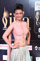 Akshara Haasan in Peachy Crop Top Choli Skirt at IIFA Utsavam Awards 010.JPG