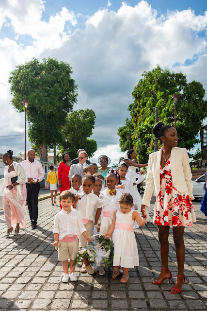 Cortège devant église, Baie-Mahault, Guadeloupe