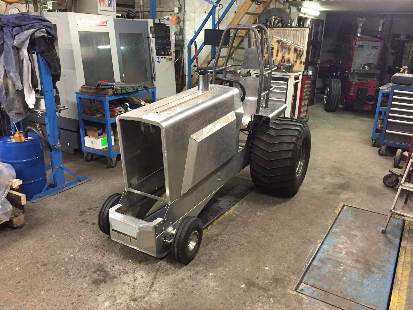 tractor pulling news new compact diesel in the netherlands. Black Bedroom Furniture Sets. Home Design Ideas