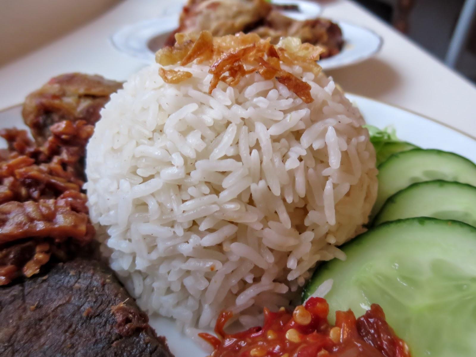 Nasi Uduk, Herzhafter Reis mit Kokosmilch