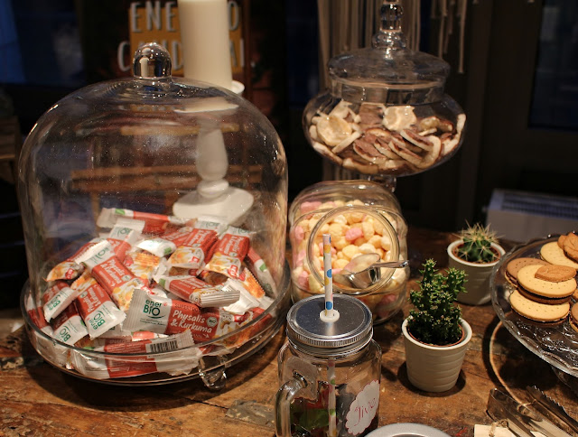 Hashmag Blogger Lounge  Parisan Chic Candybar