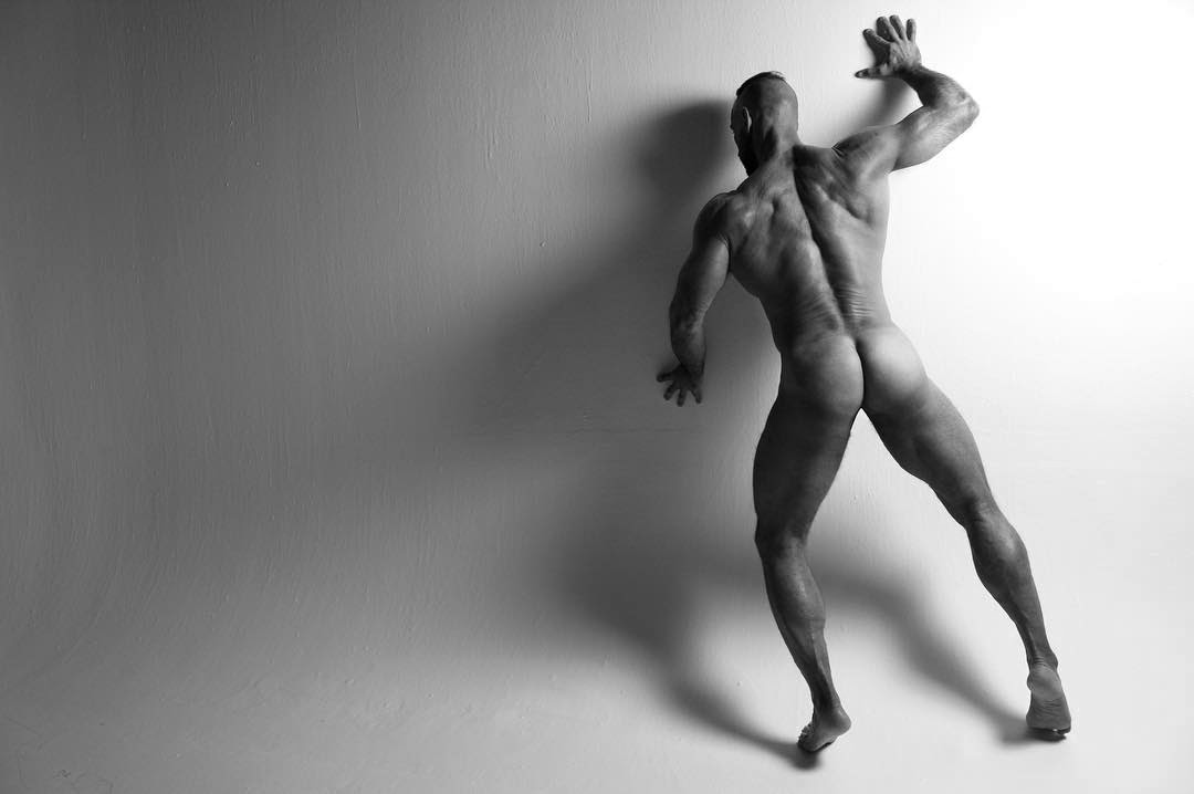 ShapE!, by TR Pics ft RePhysiques (NSFW).
