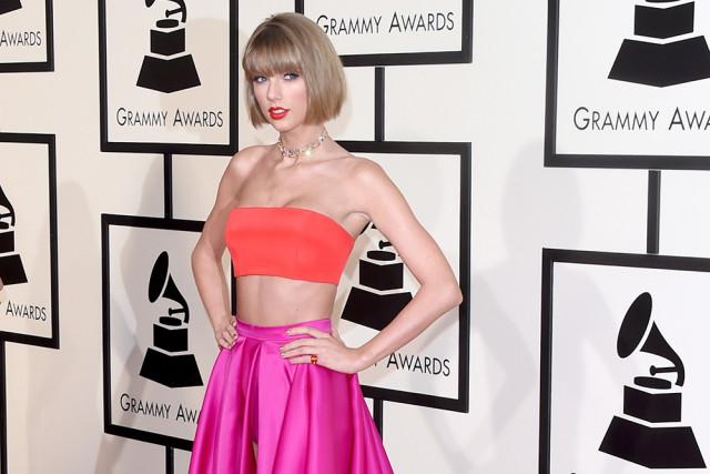 Taylor Swift en la actualidad la artista mejor pagada de todo el mundo