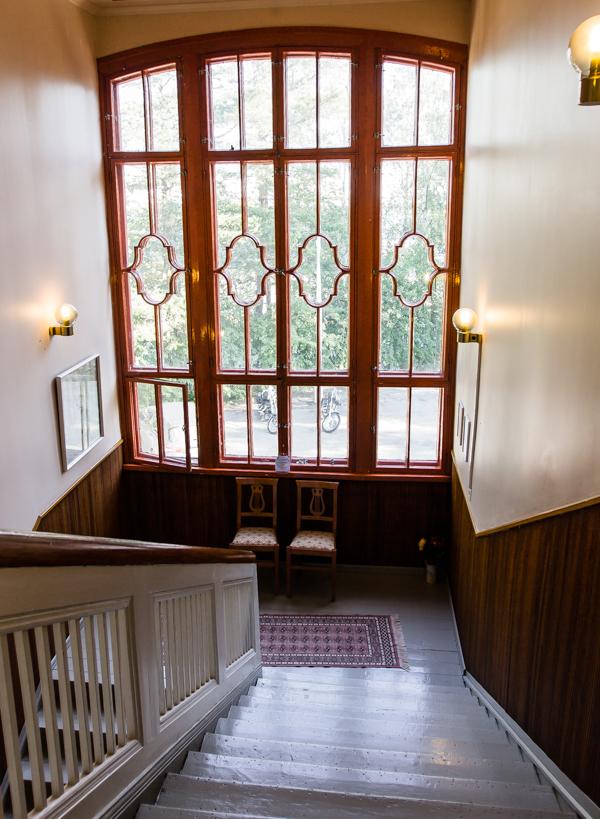 mäntyluodon hotelli sisänäkymä portaat jugend jugendhotelli suomessa