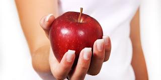 Makan Apel dengan Kulitnya, Manfaatnya Ternyata Luar Biasa