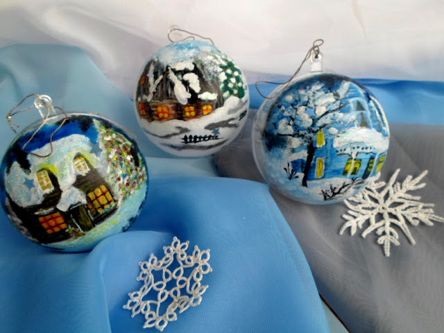 Ozdoby świąteczne na Boże Narodzenie, DIY, bombki plastikowe malowane farbami akrylowymi z krajobrazem zimowym