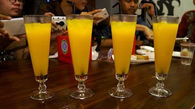 Juice jeruk ala  RedZone Cafe