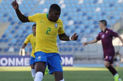 Barcelona anunció el fichaje de un joven defensa brasilero hasta el 2024