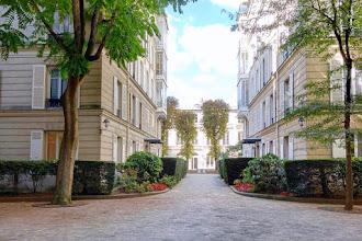 Paris : Square Monceau, enclave privée aux Batignolles - XVIIème